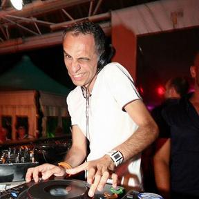 DJ Maxwell
